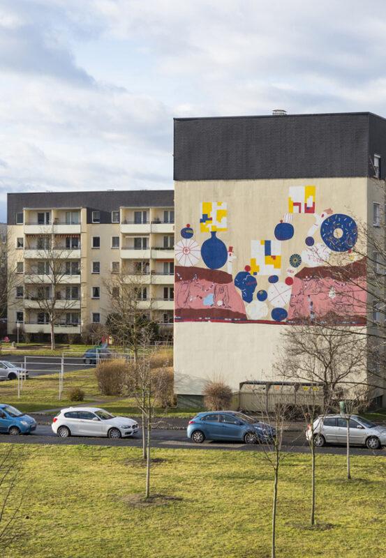 Sylvia Pásztor - Freiheit der Affen - 2017 - Urban-Art Wandbild (Dresden-Leuben) - ca. 250 x 850 cm
