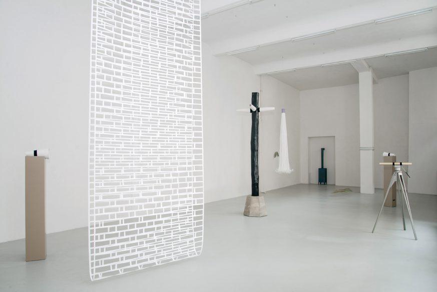 """Ulrike Mundt - Ausstellungsansicht """"Sculpo"""" im Kunstraum Weltecho, Chemnitz, 2018"""