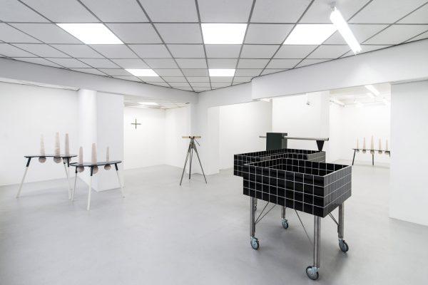 """Ulrike Mundt - Ausstellungsansicht """"Du nicht – Not you"""" in der Galerie Ursula Walter, Dresden, 2017"""