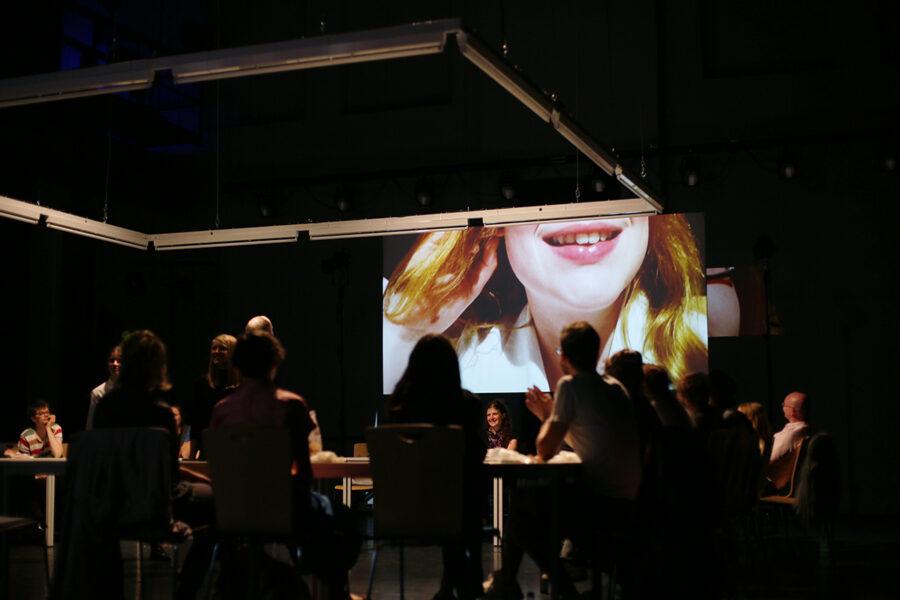 Mara Scheibinger - Stollen. Work case scenario - 2017 - Konzept, Bühnen- & Kostümbild, Video, Performance - Labortheater HfBK Dresden & ATW Gießen