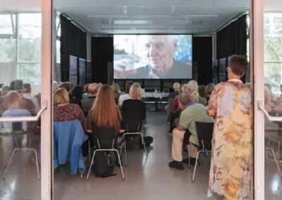 """Julia Gaisbacher - Ausstellungsansicht/Screening """"Mein Traumhaus sind Luftschlösser"""", Forum Stadtpark Graz, AT, 2019"""