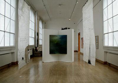 Swantje Ahlrichs – Die Sächsische Landschaft (Ausstellungsansicht) – 2015 – Öl auf Leinwand – 150 x 135 cm