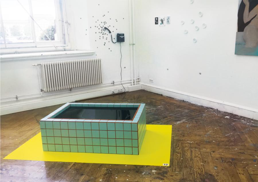 Nadine Glas - Midnight Water - 2019 - Holz, Fliesen, Kleber, Fugenmörtel, Plexiglas, Folie - 40 x 120 x 80 cm