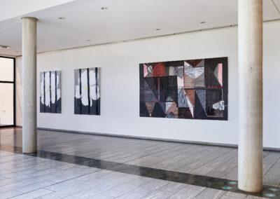 """Heike Berl - Ausstellungsansicht """"WEISSE ROSE - Natur und Symbol"""", Sächsische Landesärztekammer, Dresden, 2020"""