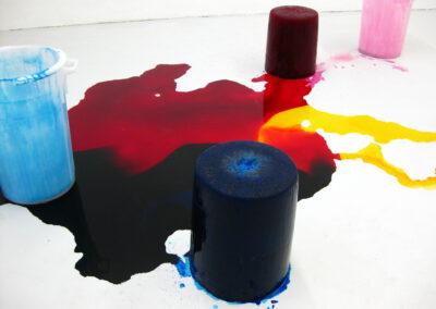 Stephanie Lüning – colored room no I – 2010 – Wasser, Pigment, weißer Raum – Maße variabel – HfBK Dresden