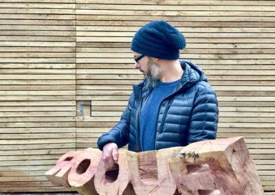Matthias Lehmann – BUOOR – 2019 – Zwetschkenholz, gesägt – 35 x 45 x 180 cm