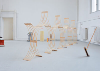 Paul Reßl – 310700 Prototyp – 2019 – Holzelement, Fichtenleisten – 160 x 720 x 35 cm